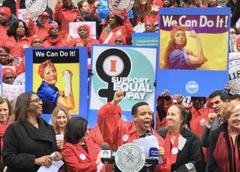 Working Women Of New York: Know About Your Right To Equal Pay